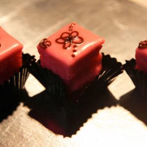 Petit Fours Pink
