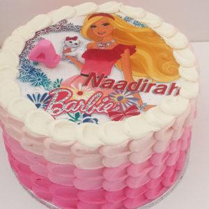 20cm round pic cake barbie