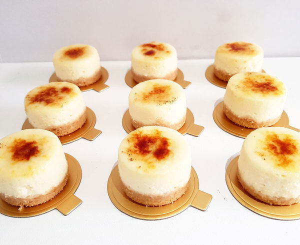 creme brulee cheesecakes